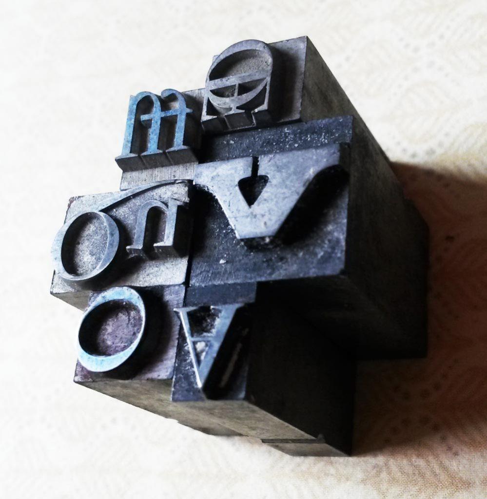 lettres de typographie en plomb